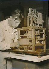 PARIS 1950 - Maquette Métier à Tisser la Laine - PR 807