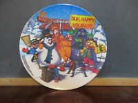 McDonald's collectors plate Happy Holidays Ronald Grimace snowman 2001 display