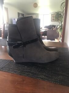 Rockport Grey  Wedge Heel Size 40 Suede Leather Boot