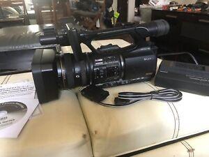 Sony HVR-Z5U HD Camcorder /W Sony HVR-MRC1 Memory Recorder COMBO