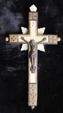 CHRIST CROIX CRUCIFIX MINIATURE 19 EME EN NACRE BOIS ET LAITON JERUSALEM A560