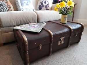 Lovely vintage bentwood steamer trunk Coffee table Antique storage chest Toy box