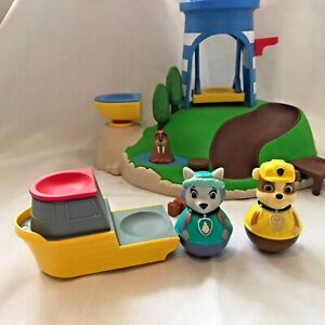 Paw Patrol Weebles Seal Island Playset with Everest & Rubble weeble