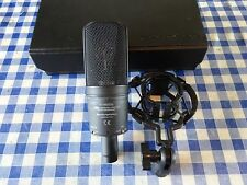 Audio Technica at4033a studio condenser (1of2).