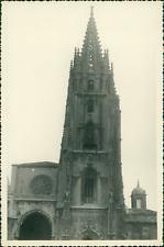 Espagne, Cathédrale San Salvador d'Oviedo, 1955  Vintage silver print.  T