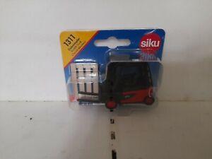 Siku Forklift Truck 1311 mint in box
