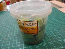 Seau de 1 kg de mosaïques 2 x 2 cm en pâte de verre
