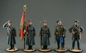 Painted tin toy soldiers figures 54 mm.Set of 5 pieces. The Second World War.