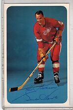 GORDIE HOWE SIGNED AUTOGRAPHED AUTO 3 1/2 X 5 1/2 POSTCARD EASTONS RED WINGS