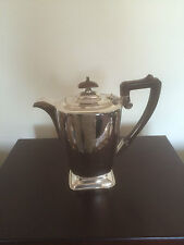 BEAUTIFUL SILVER PLATED COFFEE POT ON A RECTANGULAR RAISED FOOT (SPCP 4508)