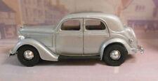 Modellini statici di auto, furgoni e camion Dinky per Ford