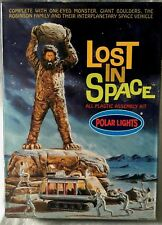Polar Lights LOST IN SPACE one-eyed moster the ROBINSON FAMILY model kit JAPAN