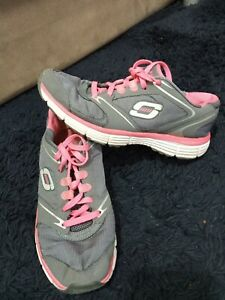 Skechers trainers Size UK6/39..see pics/ dscrptn