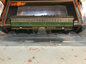 """HO Northern Pacific F-7 """"B"""" unit, Pine Tree Scheme, DCC/Sound by MTH"""