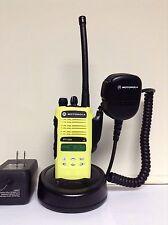 MOTOROLA HT1250 VHF 136-174MHz 128ch radio AAH25KDF9AA5AN w/ Bat Ant Charger Mic