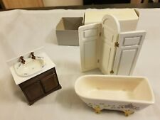 More details for 1:12 dollhouse bathroom bathtub with privacy screen & sink