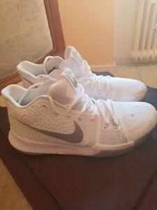 Nike KYRIE XIII Größe 45