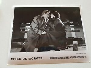 THE MIRROR HAS TWO FACES OFFICIAL MOVIE PRESS PHOTO ABOUT TO KISS