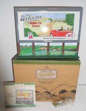 Hallmark Kiddie Car Corner Collection Bill's Board Series Welcome Sign MIB NOS