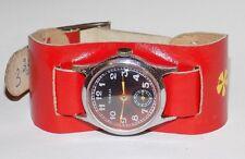 Montre ancienne mécanique homme Victoire bracelet en cuir d'origine, URSS 1951