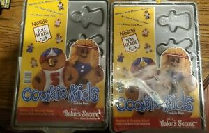 2 EKCO Nestle Toll House Gingerbread Boy Cookie Kids Baking Sheets Vintage NEW