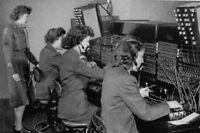 "WACs operate switchboard 4""x 6"" World War II WW2 Photo 15"