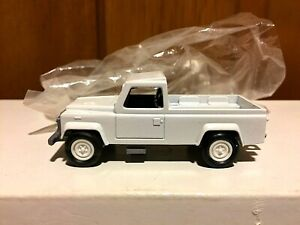 ERTL WHITE JEEP PICK UP TRUCK 1/64 NEW IN BAG 1598D