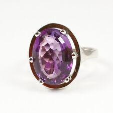 Klassischer Ring 585 Weissgold mit schönem, dunklem Amethyst; Gewicht 6,2 Gramm