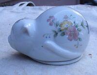 vintage Sleeping Cat Ring Box white porcelain flowers 1960s Japan kitty kitten