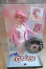 NEUF - Barbie Grease Frenchy Pink Lady cheveux rose 2007 Collector Pink Label