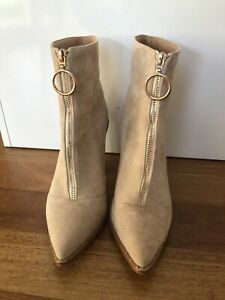 Therapy Suede Beige Ankle Boots Sz 39 (8)
