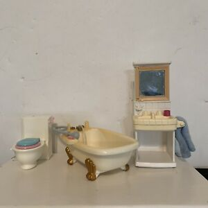 Loving Family Bathroom Vanity & Clawfoot Tub Dream Dollhouse 2002 and toilet.