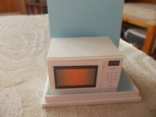 WHITE NON WORKING MICROWAVE FOR A DOLLS HOUSE