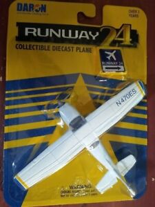 """HO Scale Cessna 172 Air Plane With """"NO"""" Runway  #RW-805"""