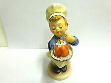 hummel figurine Baker #128 sz 4.75 in tall Goebel W.Germany