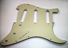 NEW PICKGUARD STRATOCASTER SSS - 3 ply cream pour guitare strat