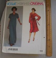 Vintage Women Sewing Pattern Dress 70's Vogue 1342 Jean Muir