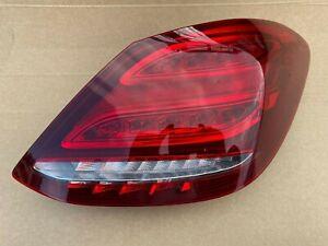 Mercedes C-Klasse W205 Heckleuchte Rechts A2059060457 Limousine LED Rückleuchte