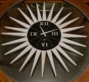SETH THOMAS VINTAGE SUNBURST/STARBURST WALL CLOCK BLACK/WHITE ROMAN NUMERALS