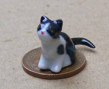 1:12 Scale Dolls House Black & White Ceramic Kitten Accessory Cat Ornament ZF