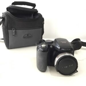 Fujifilm FinePix S5800 Digital Camera w/ Samsonite Camera Bag #460