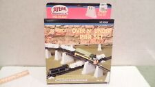 HO scale 47 piece over AND under pier set by Atlas