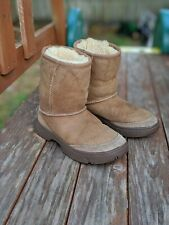 Authentic UGG Australia Ultimate Short Brown Tan Beige Boots Size 1 Kids Youth