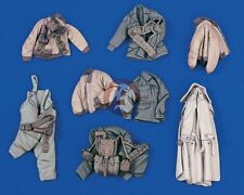 Verlinden 1/35 Assorted US Soldier Clothing and Equipment WWII (8 pieces) 1594