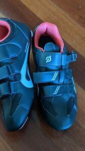 Peloton Bike Cycling Shoes w/out Clips Unisex Size 40 MEN7 /WOMEN9.