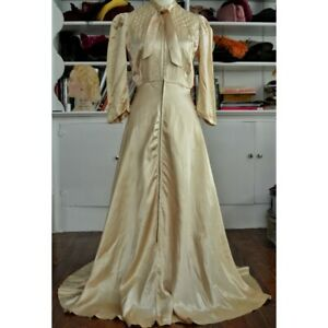 Vintage 1930's/1940's Gold Liquid Satin Dressing Gown
