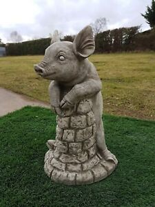 "Solid concrete pig,""pig on wall"",garden ornament,pigs,COLLECTION ONLY"