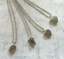 4 locket necklaces   (Y18)