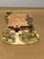 Beautiful Vintage Lilliput lane (Off The Beaten Track)collectible Cottage