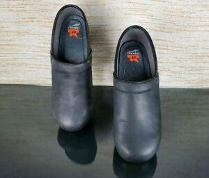 DANSKO XP Black Oiled Leather Womens 41/US 10.5-11 Chef Nurse Stapled Clogs -EUC